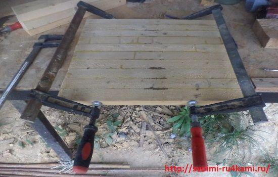 Склеиваем щит для сиденья