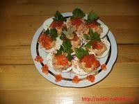 Фаршированные яйца с морепродуктами