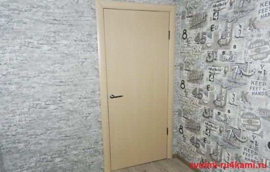 Межкомнатная дверь установлена